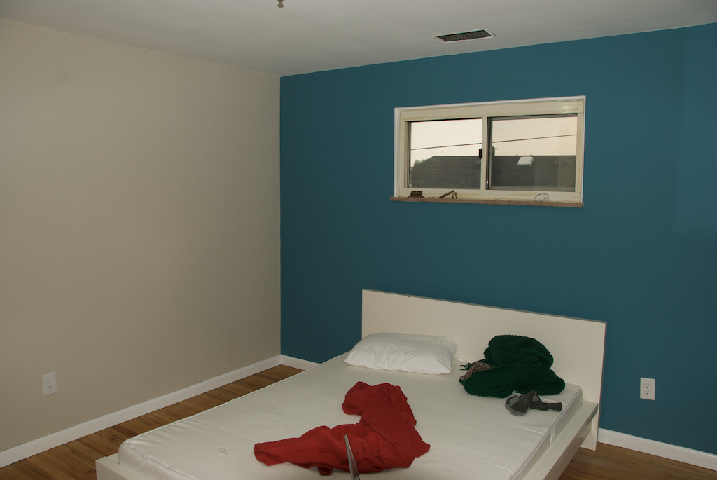 blue walls bedroom > pierpointsprings